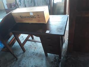 Simonsig wooden container
