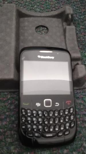 BlackBerry Curve 8520 -Original Box and all original accessories