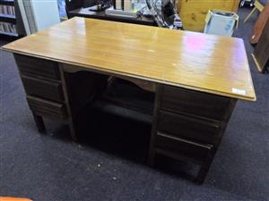 Wooden Office Desk - 6 Drawers