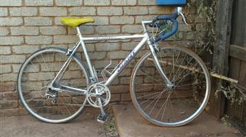 Racing Bicycle Giant Peloton R2800 neg.