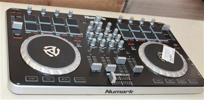 Numark DJ Controller S030524A #Rosettenvillepawnshop