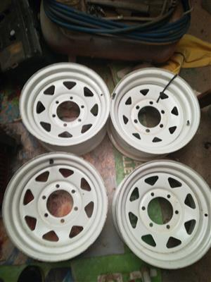14 inch  6 stud Mag rims almost new suitable for Quantum Combis and most bakkies also trailers lMag rimsw15inch 6 stud suitably most bakkie or for trsilers