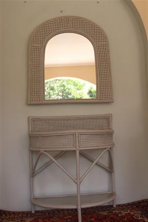 Rattan Mirror & Tabel set