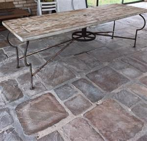 SHABBY-LOOK PATIO TABLE