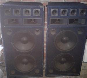 Urgent Sale!!! DJ Equipment - 2 x Double 15inch Torq Disco Speakers + 1200 Watt Amp
