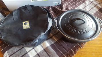 Bush baby no2 cast iron potjie