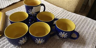 Blue and yellow flower mugs