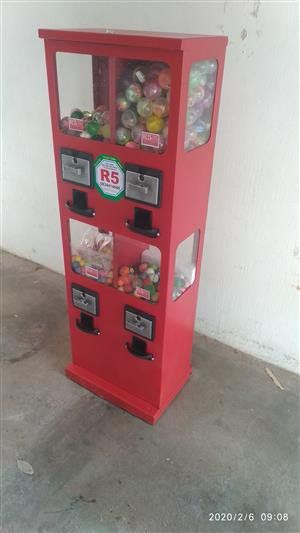 GAME VENDING MACHINES  FOR SALE