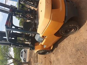 TOYOTA 8FD25 2.5T FORKLIFT