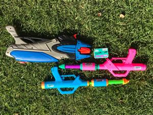 3 water guns for sale - good condition