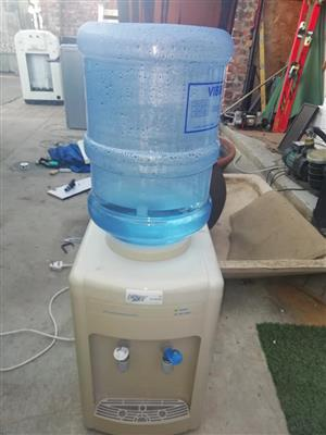 Cold warm water dispenser