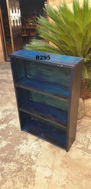 Small BluePainted Boolshelve (610x205x885)