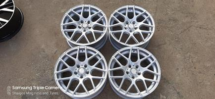 17 Inch CSL Rep Mag rims without tyres