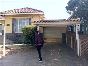 3 bedroom house available in The Glen ''Linnemeyer 01/10/2019