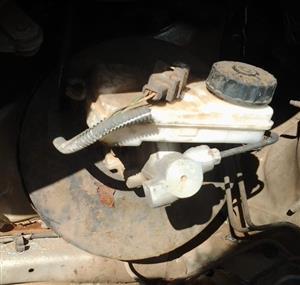 Peugeot 206 CC Coupe Carbriolet 00-08 Brake Booster,Brake Fluid Bottle & Brake Master Cylinder