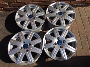 "Ford Mags 14"" Set + Nuts"