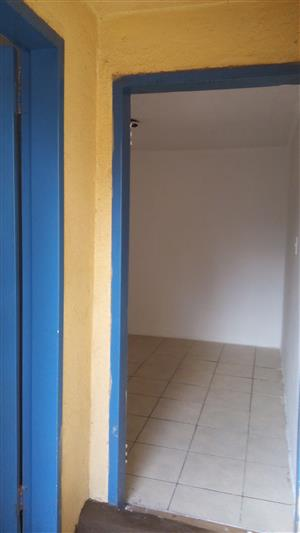 Batchelor room TO RENT/  TO LET