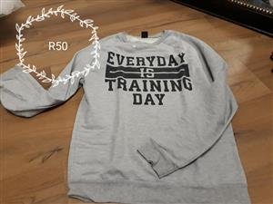 Everyday is training day grey top