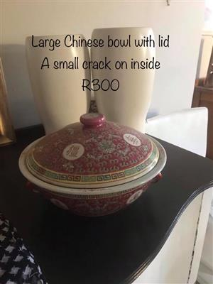 Large chinese bowl with lid