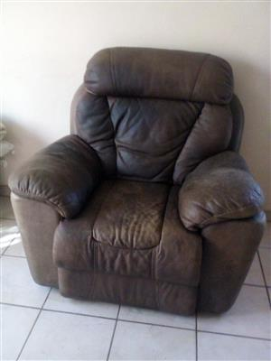 Luxury genuine leather Alpine recliner
