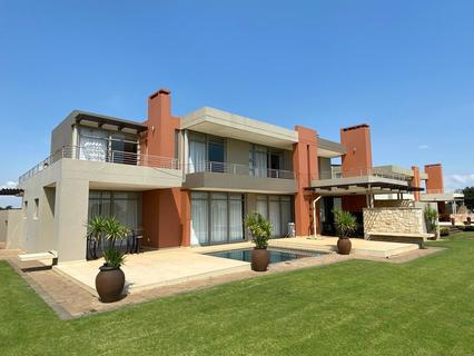 4 Bedroom House For Sale in Waterford Golf and River Estate, Parys