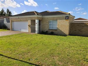 KRAAIFONTEIN - Super Spacious 3 Bedroom Home  - BIG Backyard - AVAILABLE IMMEDIATELY OR 1 FEBRUARY 2020
