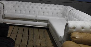 S034110A White L shape leatherite couches #Rosettenvillepawnshop