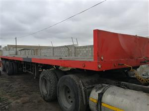 Hendred Tri - Axle Flat Deck Trailer - 15m