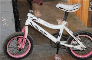 Raleigh pink bicycle S032368A #Rosettenvillepawnshop