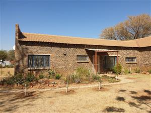 2 Bedroom Rental Vastfontein