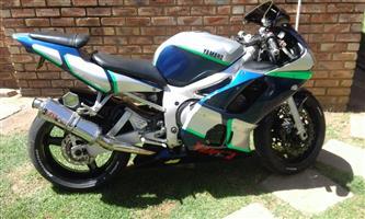 2000 Yamaha FZR