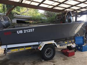 C-Ski 560 Ultimate Spearfishing Boat as new by Legendary Steve Ellis
