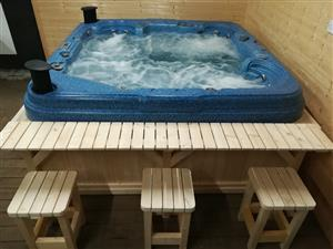 Square 6-7 Capacity Spas & Hot Tubs Jacuzzi