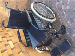 Invacare Zipper2 folding wheelchair