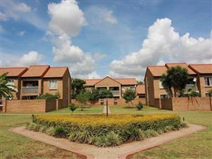 2 Bedroom Townhouse To Let in Piketberg, Equestria Estate