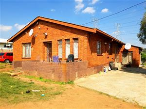 A BEAUTIFUL 3 BEDROOM HOUSE TO RENT IN KWAGGASRAND.