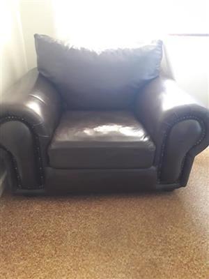 Leather couches 1 single seater and 1 2 seater