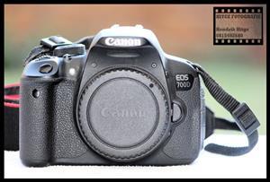 Canon EOS 700D - Full Professional Starter Bundle