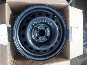 Hyundai i10 original standard steal rims size 14 and wheel caps
