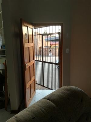 3 Bedroom Townhouse To Let in Zervista, Elarduspark