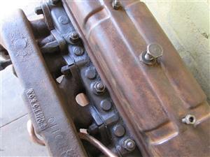 MF Vaaljapie tractor engine (#1 of 2), Massey Harris Ferguson, petrol / paraffin, 4-cylinder, TE20