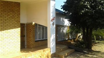 4 BEDROOMS HOUSE FOR SALE  GEZINA BEN SWART STR CALL SOPHY  FOR MORE IN FO