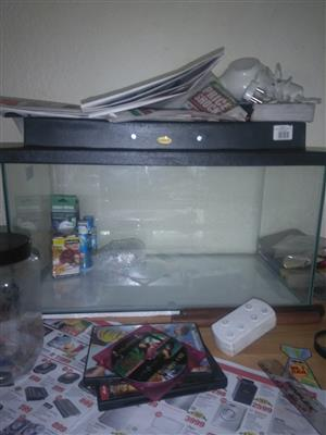 Fish tank with reptile assecories for sale new