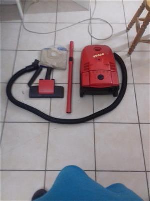 AEG Vacuum Cleaner