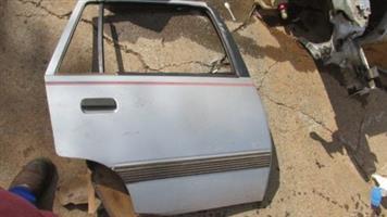 1990 opel monza right rear door shell