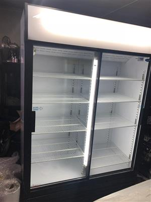 Like new cool drink fridge