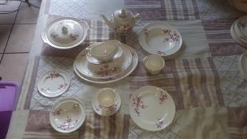 Antic Dining Set