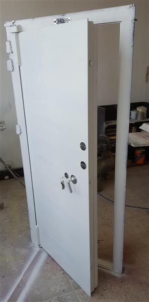 Walk-in safe door