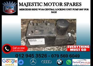 Mercedes benz W164 central locking pump for sale