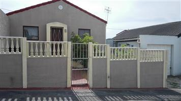 2 Bedroom house for Sale 780k